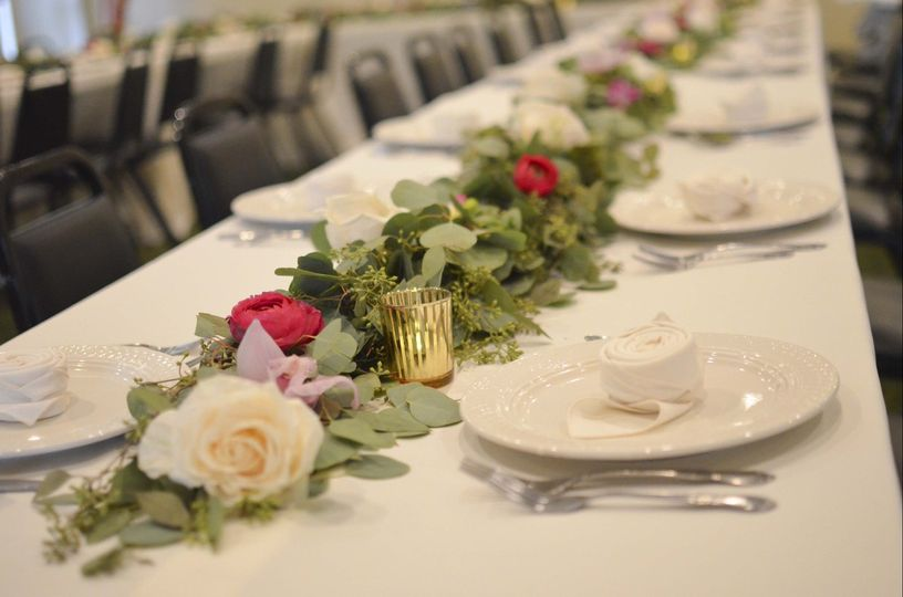garland rose orchid tablescape